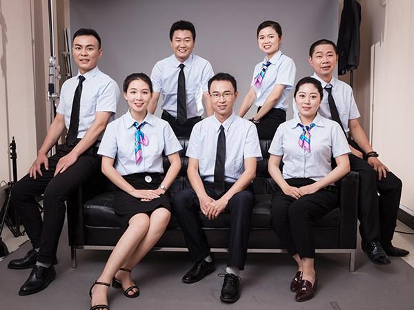 华东工控员工