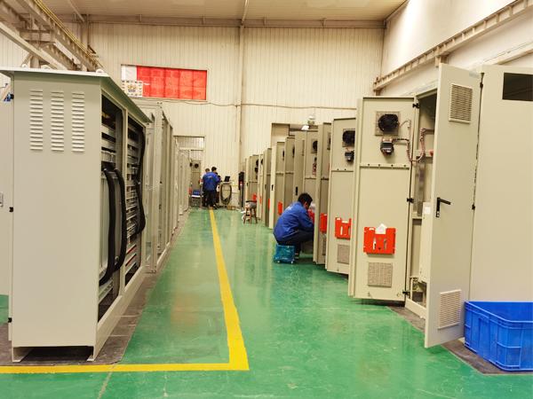 电气控制柜生产现场